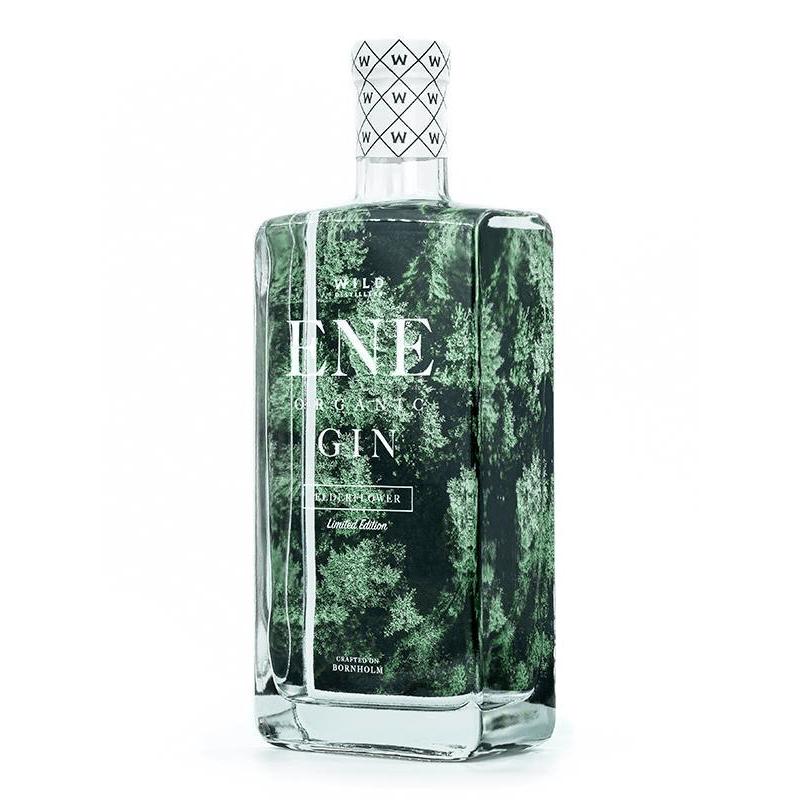 en flaska med ENE Organic Elderflower gin